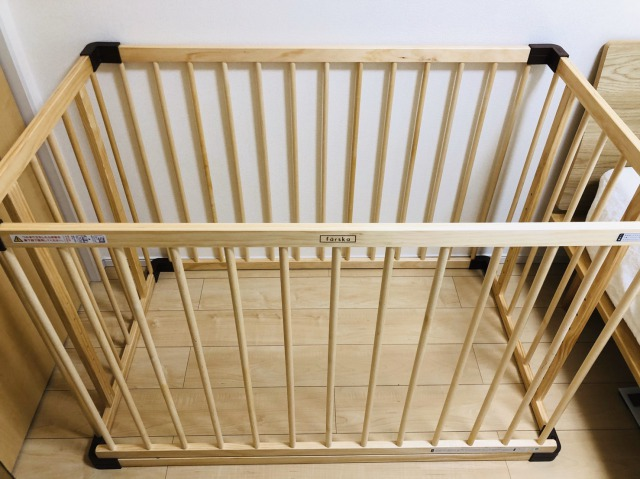 ファルスカ ベッドサイドベッド03